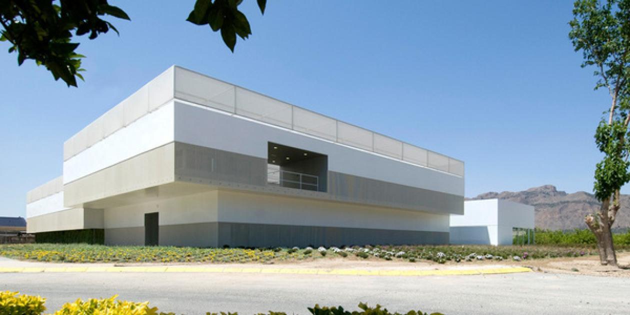 Edificio de Laboratorios y Departamentos en Alicante