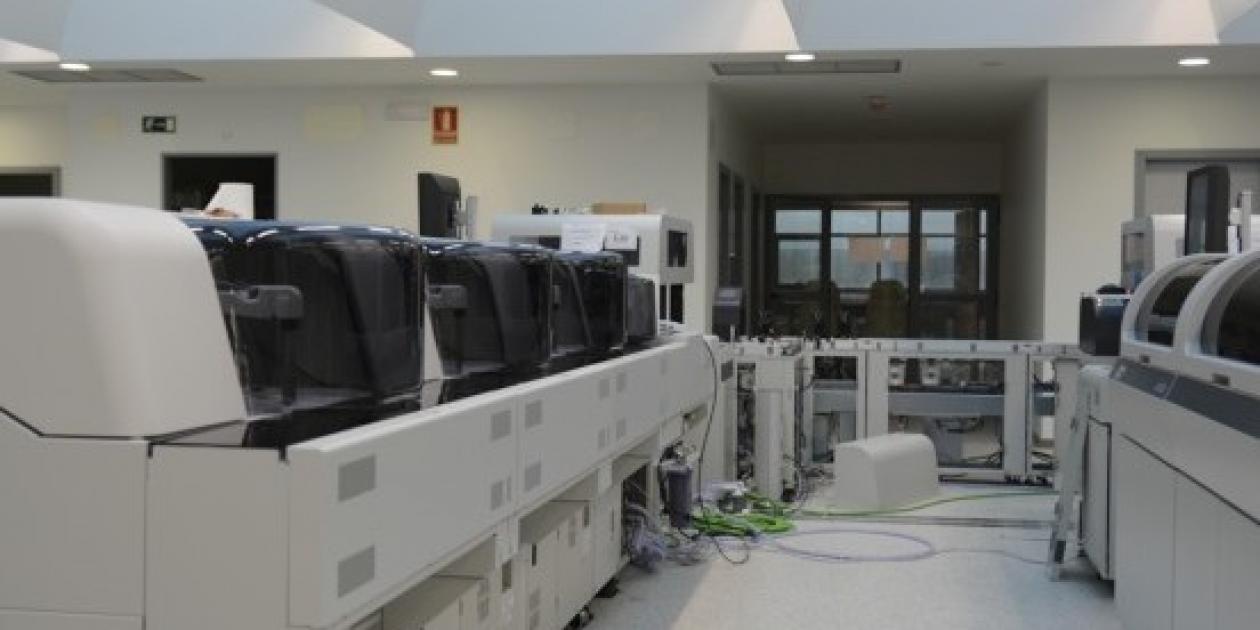 Salud avanza en la modernización de los laboratorios de los hospitales públicos para fomentar la eficiencia y la sostenibilidad
