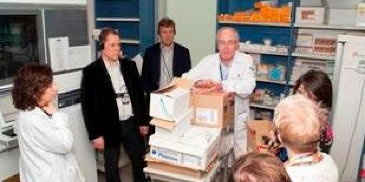 Una delegación de Finlandia visita el HUCA para conocer el desarrollo de las TIC en la sanidad asturiana