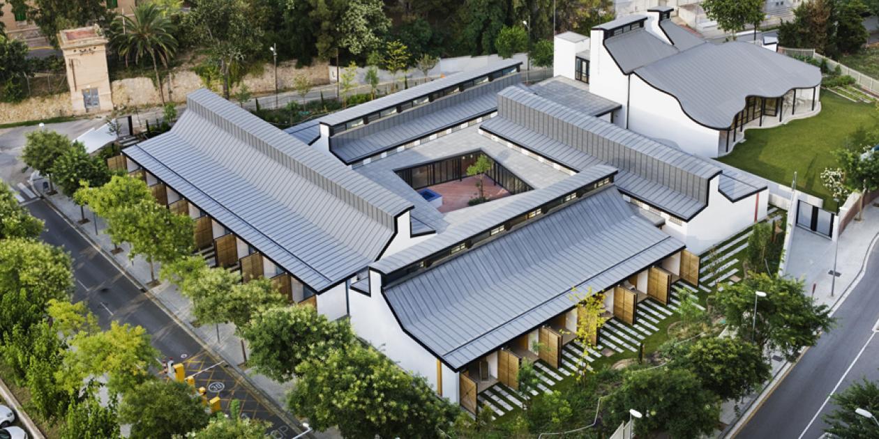 Casa dels Xuclis - Residencia y centro asistencial