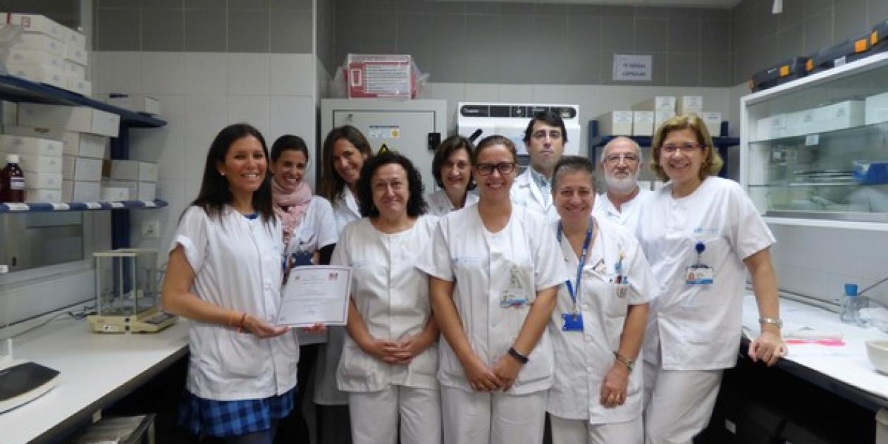 El Hospital Clínico San Carlos,    pionero en la implantación de robots para la elaboración de antineoplásicos,    premiado por la Fundación Española de Farmacia Hospitalaria