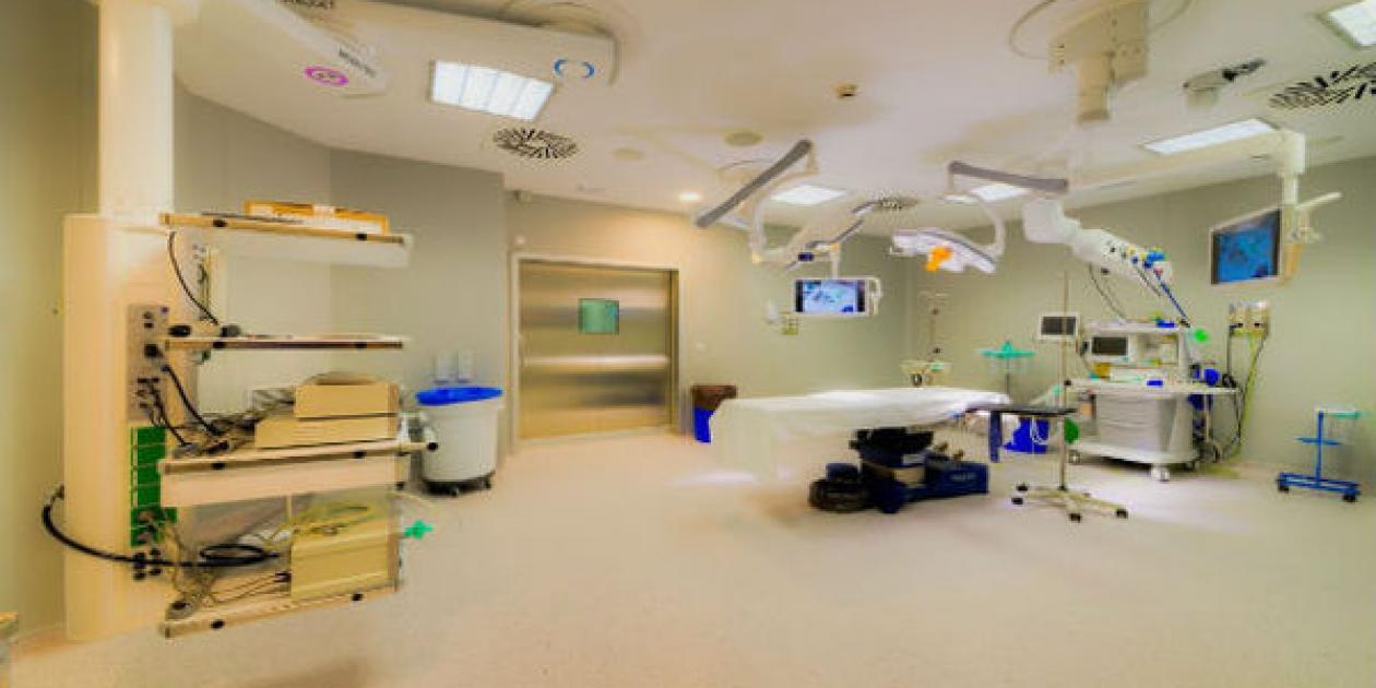 El Hospital Jerez Puerta del Sur,  que forma parte del Grupo Hospitalario HLA,  ha inaugurado su nuevo bloque quirúrgico,  con una inversión de 1, 8 millones de euros.