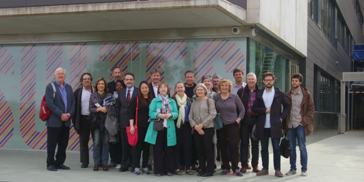 Arquitectos británicos de la asociación 'Architects for Health' Visitan diversos Hospitales de Barcelona