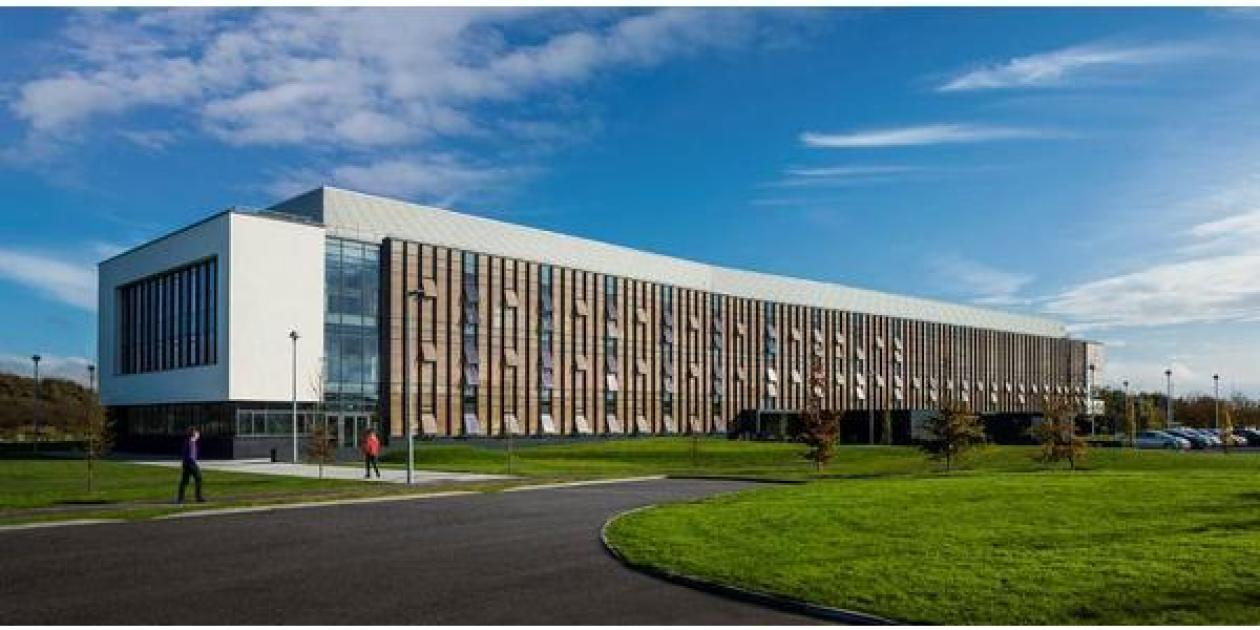 Edificio de Investigación de Biociencias en Galway,         Irlanda