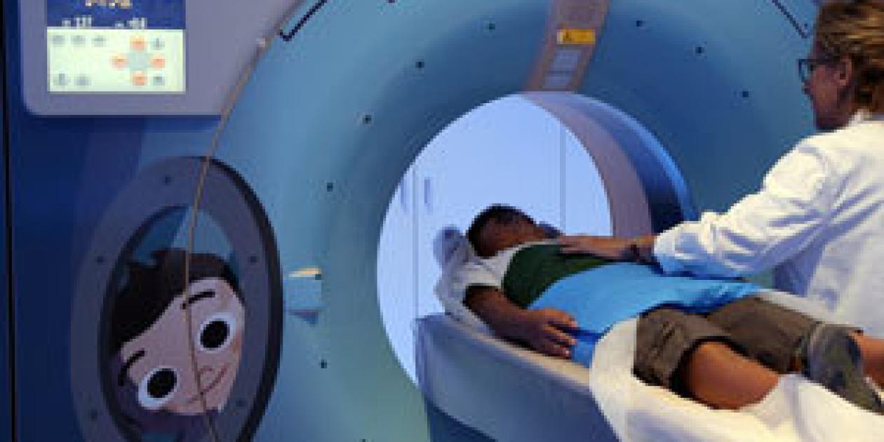 Vall d`Hebron incorpora un TAC infantil espacial que reduce la dosis de radiación
