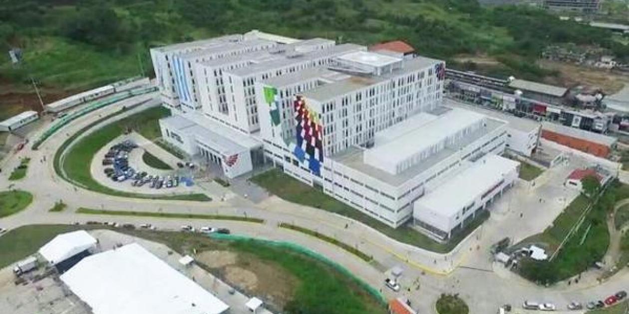 Una empresa gallega levanta el mayor hospital de Ecuador en catorce meses