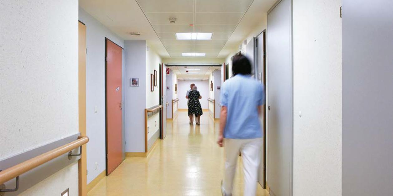 Mejorar la calidad de vida de los pacientes con demencia a través de la iluminación