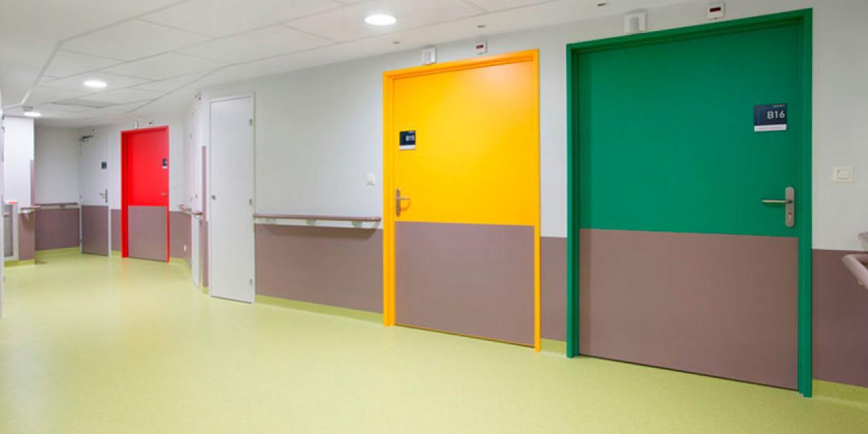 ¿Cómo escoger una protección mural para un hospital?