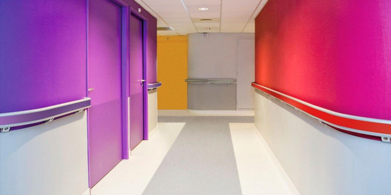 La influencia del color en las estructuras sanitarias