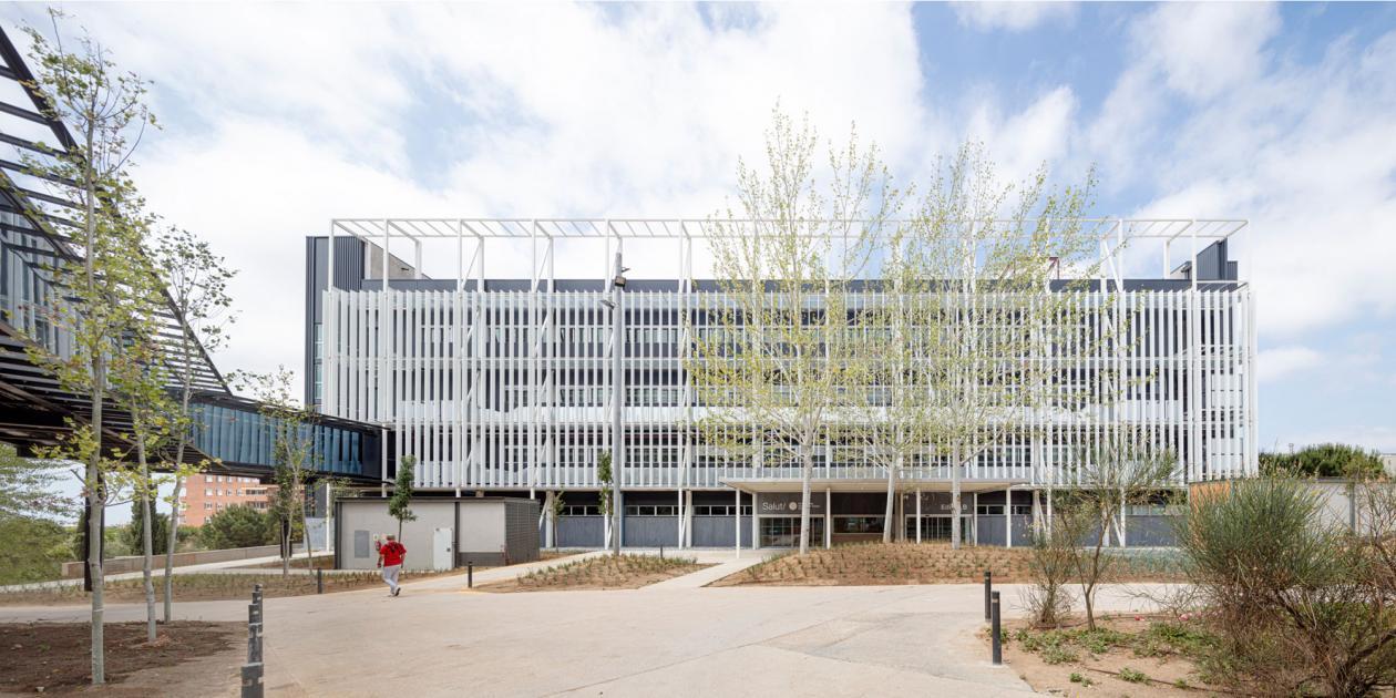 Edificio hospitalario polivalente Moisès Broggi