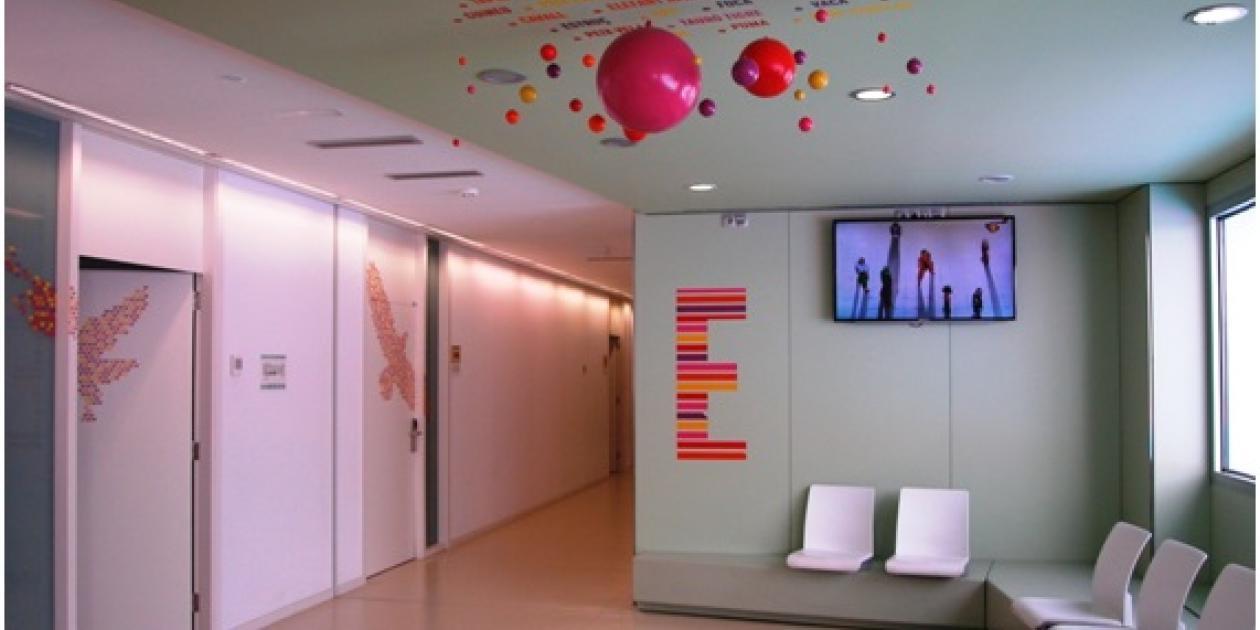Equipamiento del edificio de urgencias y consultas externas del Hospital Infantil Sant Joan de Déu