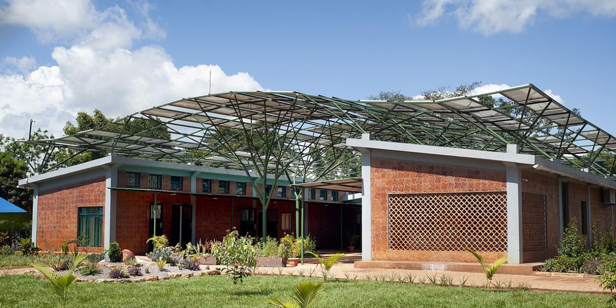 Ambulatorio quirúrgico en Kyabirwa, Uganda