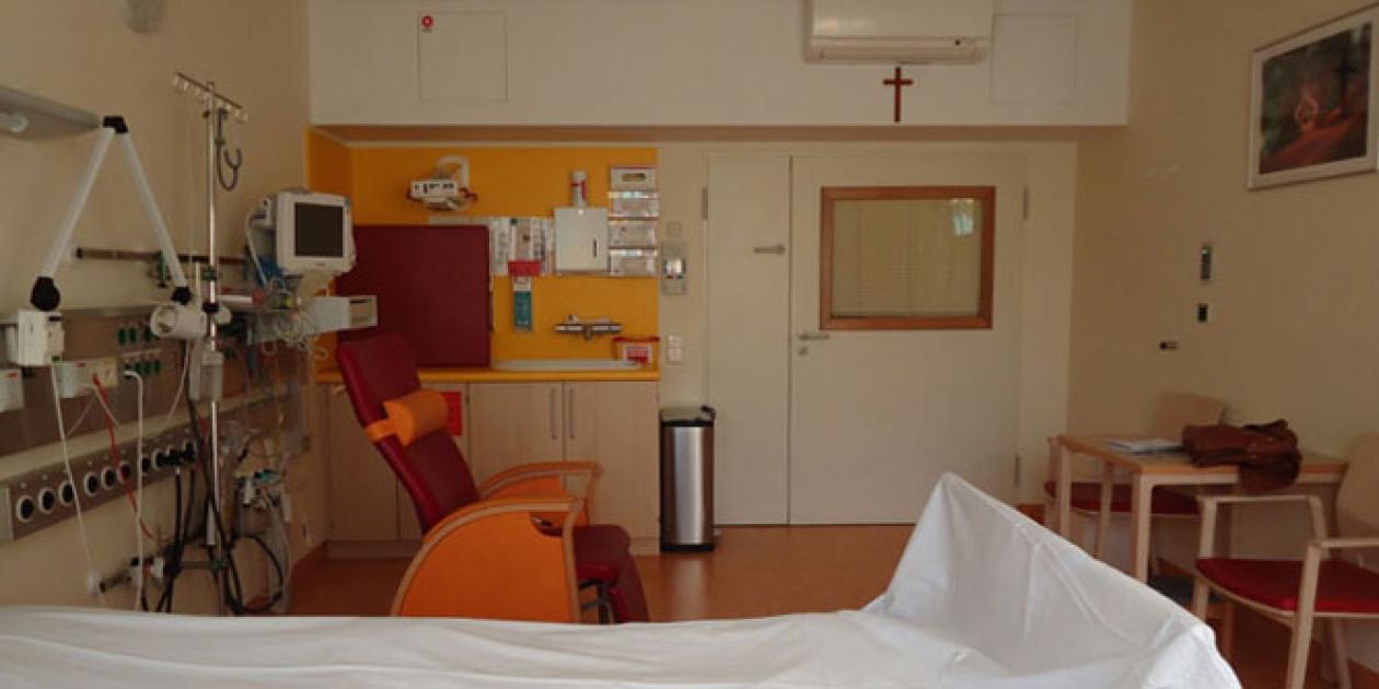 Visita a la UCI neonatal y pediátrica del Hospital St. Joseph en Berlín