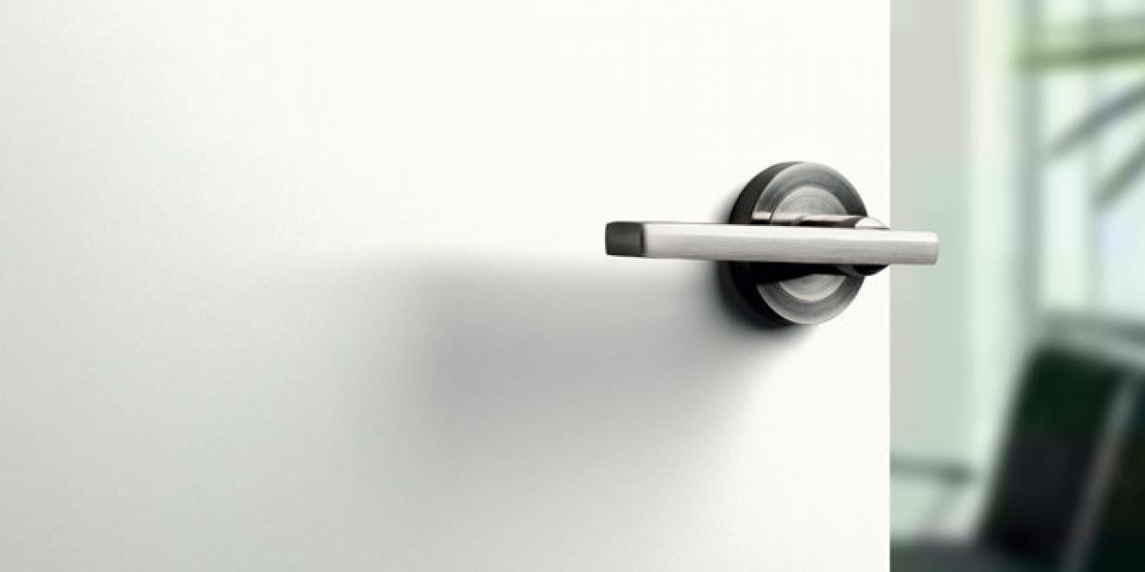 Nueva gama de laminados Polyrey HPL para puertas