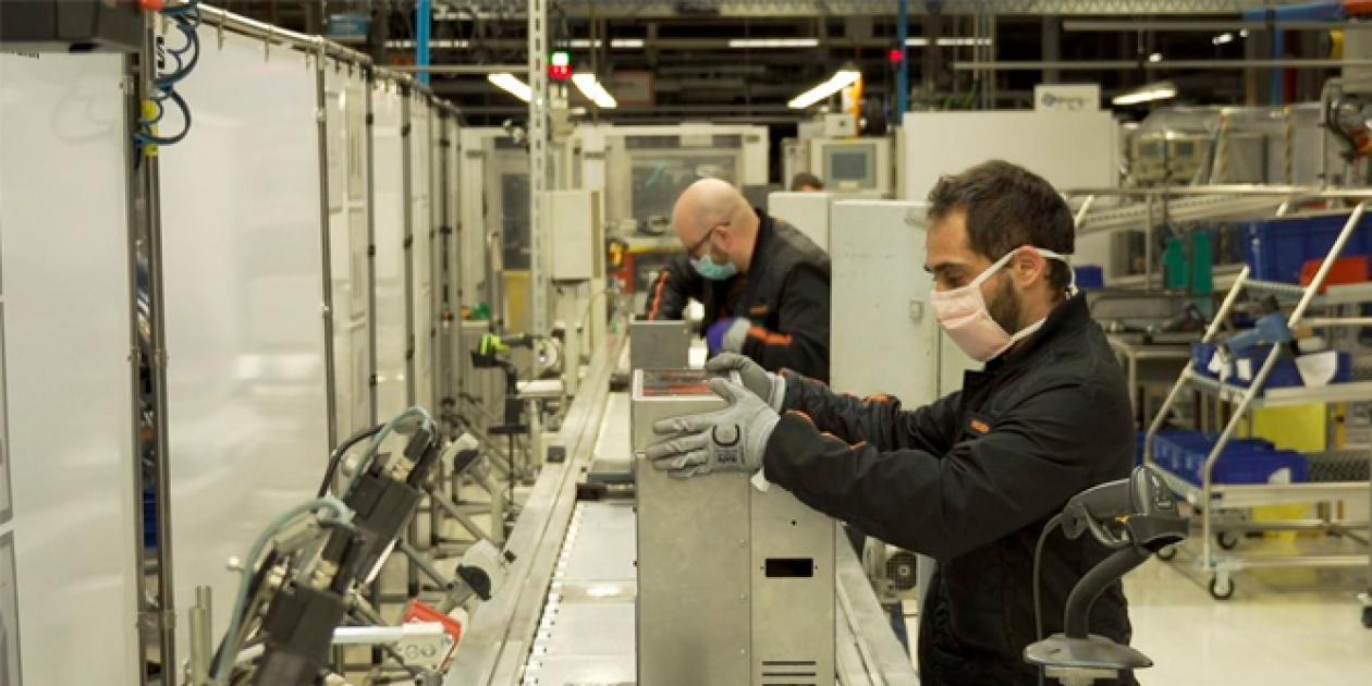 Empresas transforman su línea de producción para la fabricación de productos sanitarios